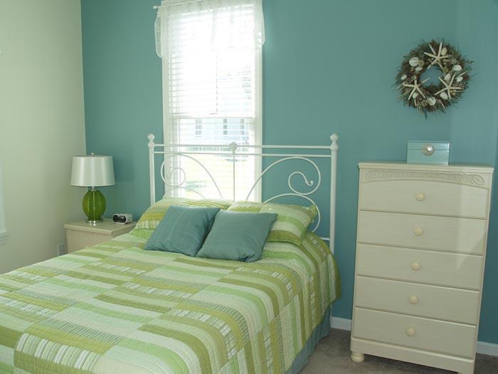 bowdoin-bedroom