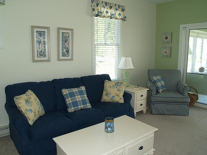 bowdoin-living-room2